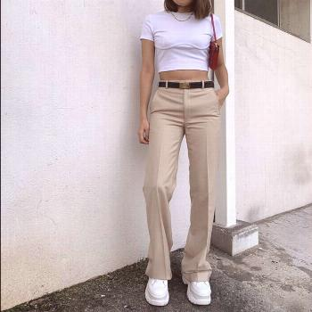 Minimalist chic style // street style  Style by Anna wearing white rococo Corset Top Rococo-corset-